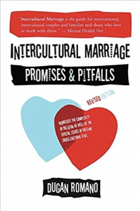 Intercultural Marriage o Matrimonio Intercultural un libro de Dugan Romano
